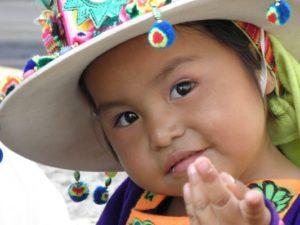 bambina-boliviana-sorridente